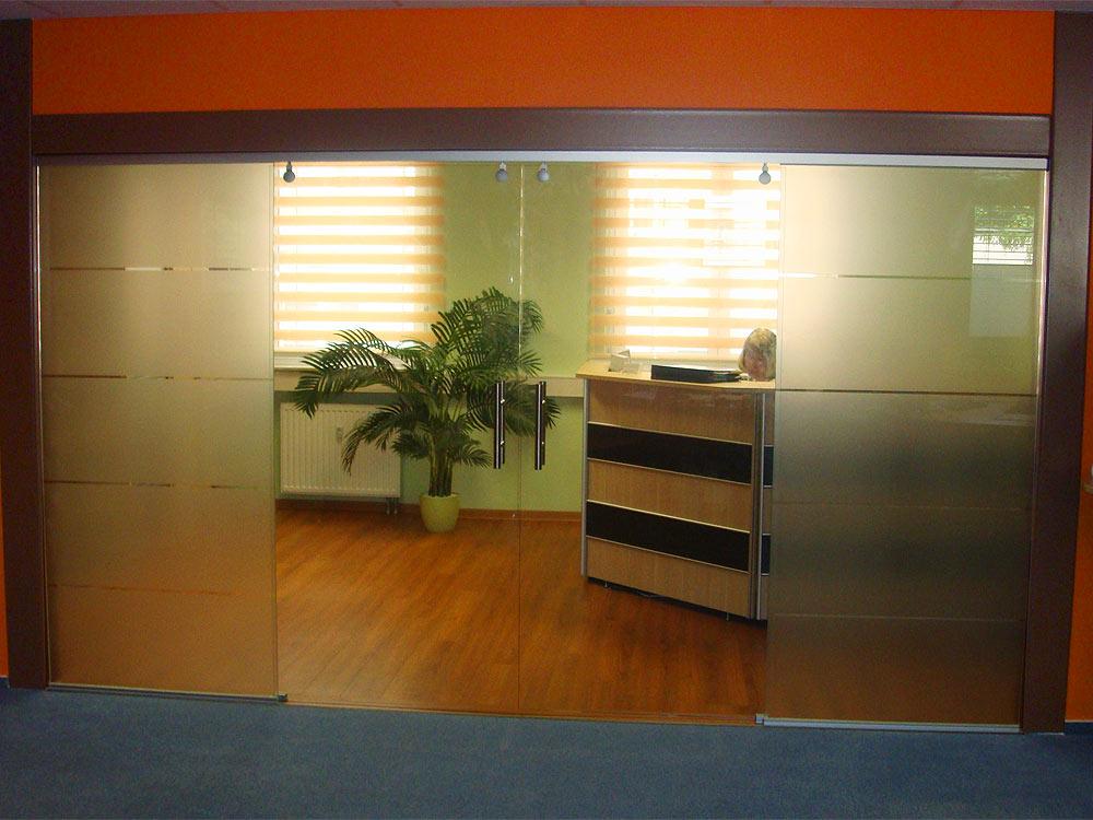 Referenz Büroeingang| Fenster Schilling